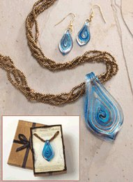 Beautiful Art Glass Necklace and Earring Set