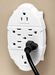 Westinghouse&#174 Space Saving Outlet